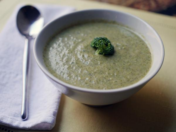 "The BEST ""Cream"" of Broccoli Soup (a lean and green recipe!)"